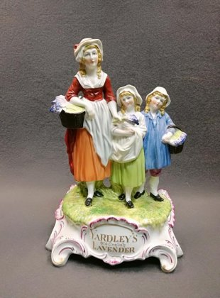 porzellanfigur-reklamefigur-yardley-s-old-english-lavender-dresden-porzellan-um-1920