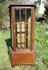 res-kleine-vitrine-um-1910