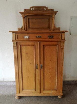 veriko-kleiner-schrank-jugendstil-um-1910-weichholz