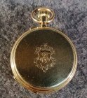 goldene-taschenuhr-mit-medaillon-56-zlotniki-3-6-cmcm.3