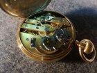 goldene-taschenuhr-mit-medaillon-56-zlotniki-3-6-cmcm.5