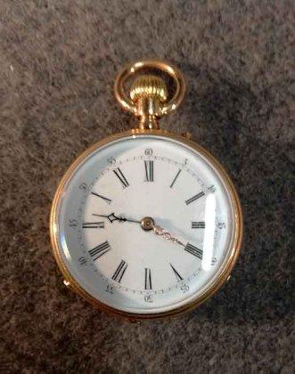 goldene-taschenuhr-mit-medaillon-56-zlotniki-3-6-cmcm
