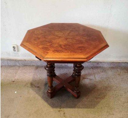tisch-um-1880-nussbaum-h-66cm-sofatisch-beistelltisch