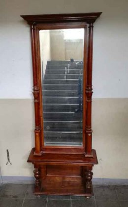 gruenderzei-spiegel-mit-saeulen-und-konsole-nuss-um-1880