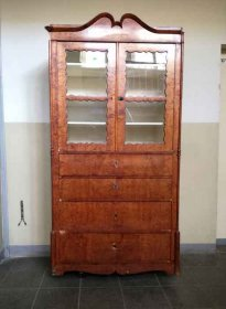 sekretaer-um-1850-mit-vitrinenaufsatz-birke