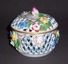 gitterdose-mit-blueten-saechsischen-porzellanmanufaktur-dresden-potschappel