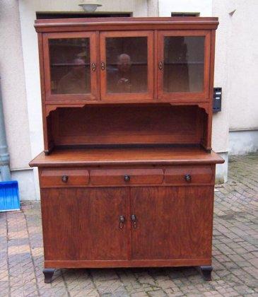 kuechnebuffet-um-1910-restauriert
