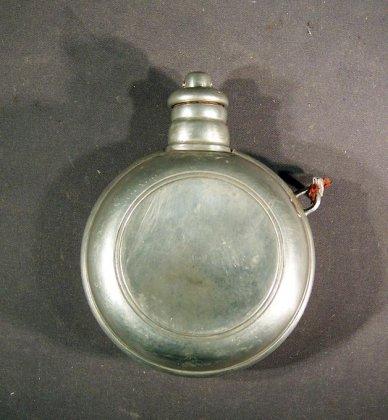 alte-zinnflasche-feldflasche-schnapsflasche