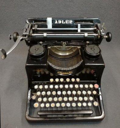 schreibmaschine-adler