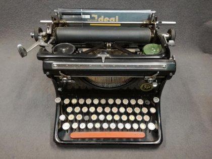 schreibmaschine-ideal-naumann-seidel-und-naumann