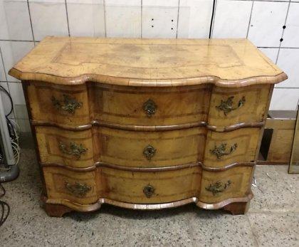 barockkommode-um-1750