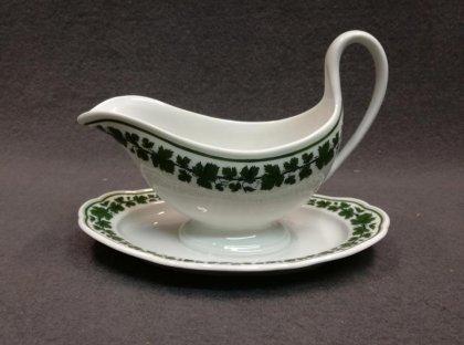 meissen-um-1860-knaufzeit-sauciere-weinlaub